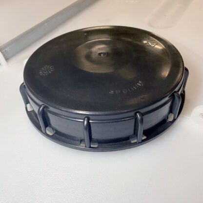 A reconditioned IBC lid.