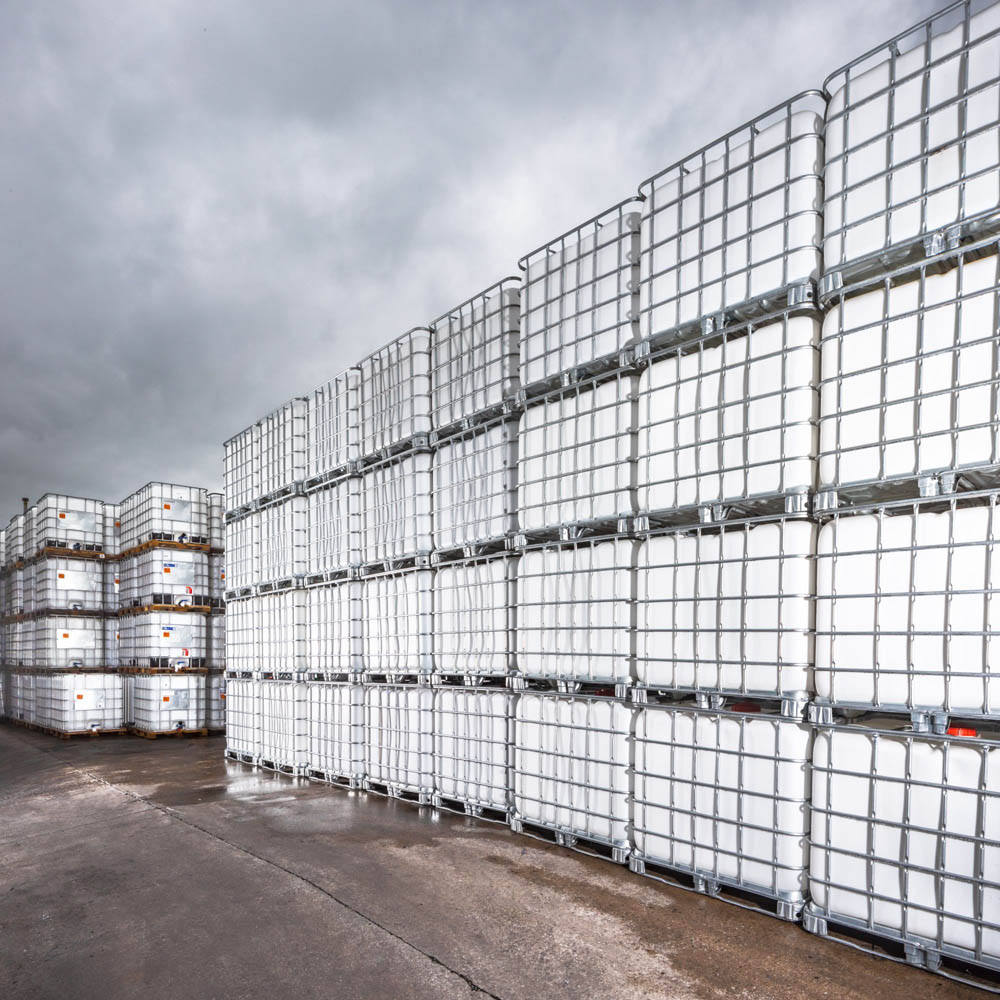 Rows of reconditioned earthed IBCs that have just been cleaned and ready for delivery.
